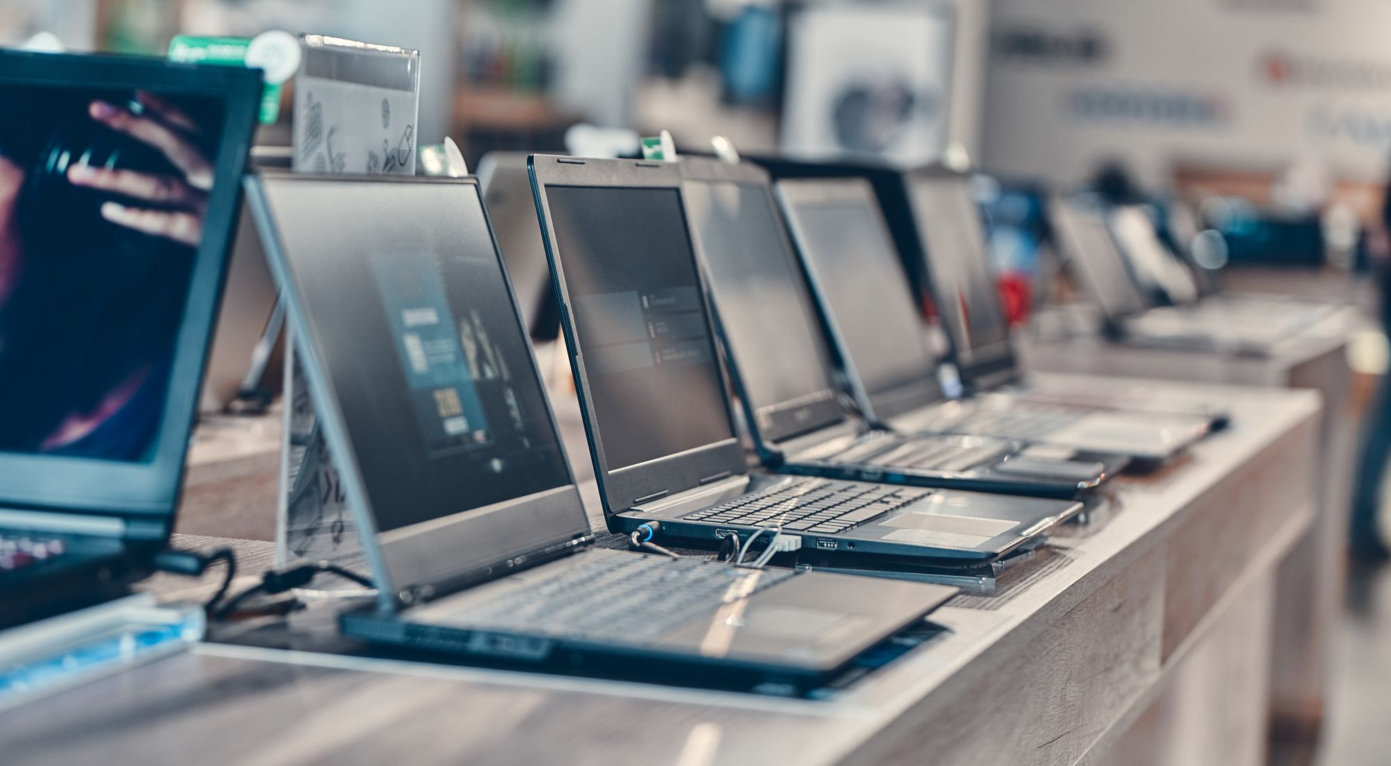 How To Open A Computer/Laptop Showroom?