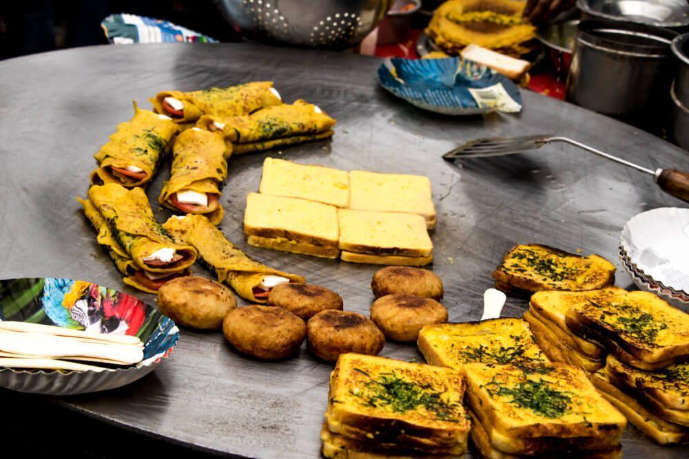 दिल्ली का फेमस स्ट्रीट फूड और कैसे शुरू कर सकते हैं आप इसका बिजनेस भारत में कहीं भी