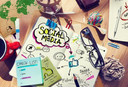 प्रत्येक स्माल बिजनेस को सोशल मीडिया पर क्यों मार्केटिंग करनी चाहिये?