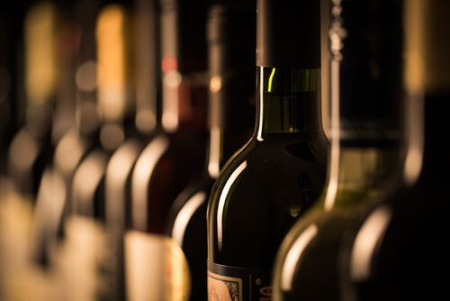 How to Start a Wine Business? Investment, Tips & More