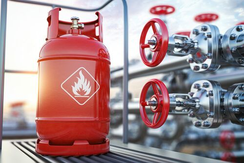 filling gas in lpg gas cylinder